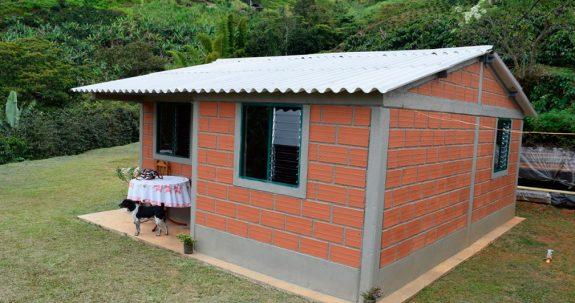 Federación Nacional de Cafeteros, Gobernación de Antioquia y VIVA firman convenio marco para vivienda rural