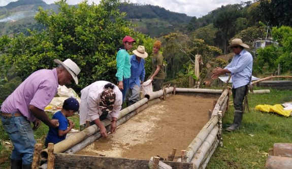 Federación Nacional de Cafeteros Construye 2 germinadores comunitarios en el municipio de Santa Rosa de Osos