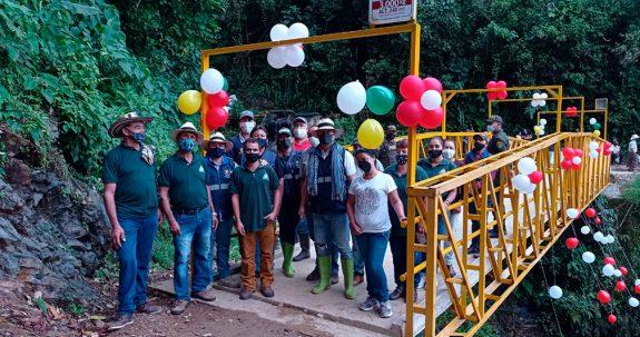 Federación Nacional de Cafeteros realizó la entrega de un puente en las veredas Manzanares y Travesías del municipio de Támesis